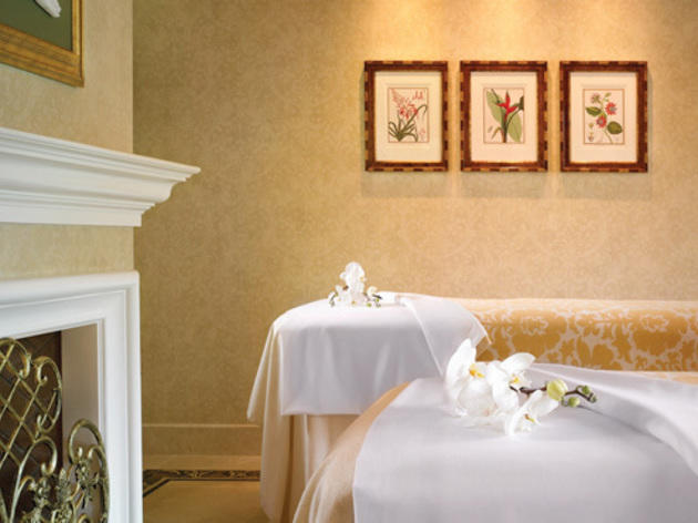 <p>Luxury spa suite at the Spa at the Four Seasons Westlake Village</p>