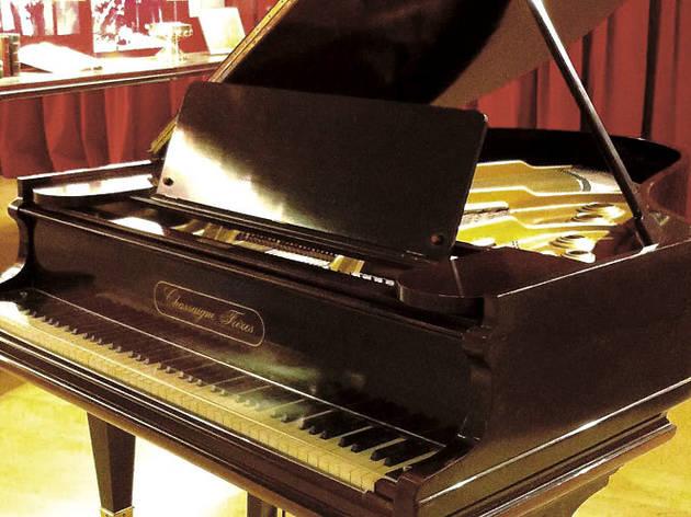 Piano Chassaigne Fréres, Frederic Mompou