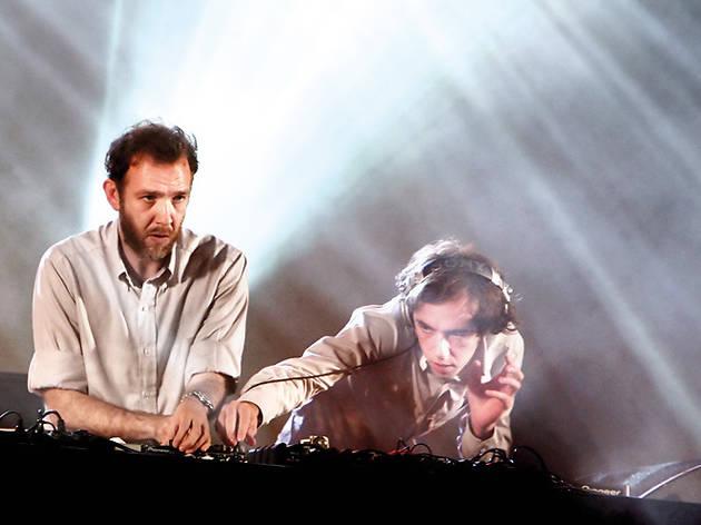 Sundayzz: 2manydjs DJ set + Baldo