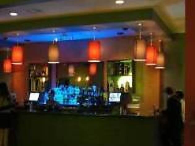 Aventura Lounge & Grill