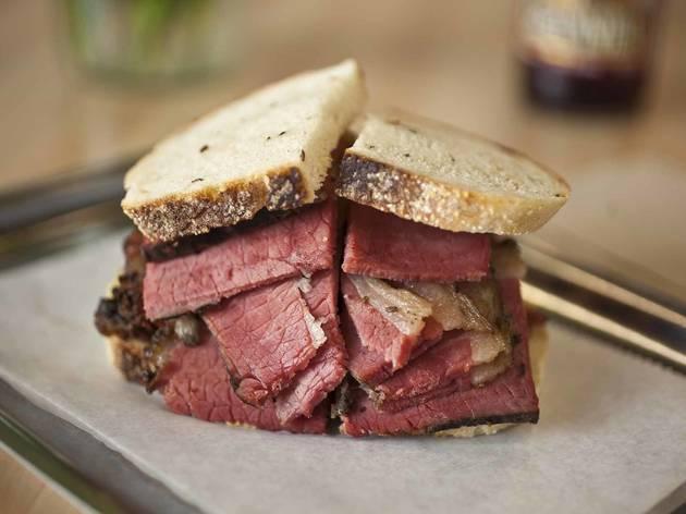 Classic Smoked Meat Sandwich