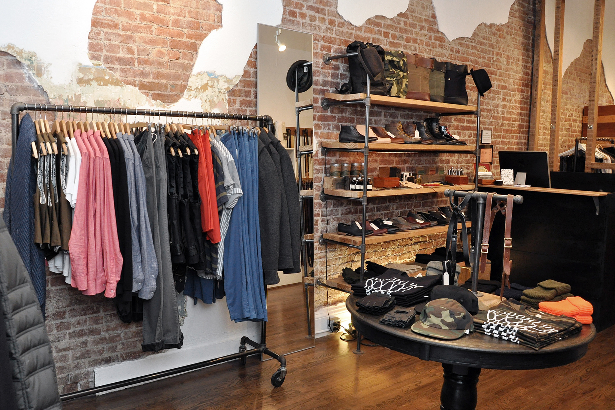 The 30 Best Clothing Stores in New York. The 30 Best Clothing Stores in New York. Skip to content Search as I move the map. Things to do in New York / Shopping / Clothing Stores. Best Clothing Stores in New York Womens and mens clothing store. From Tennille's guidebook.