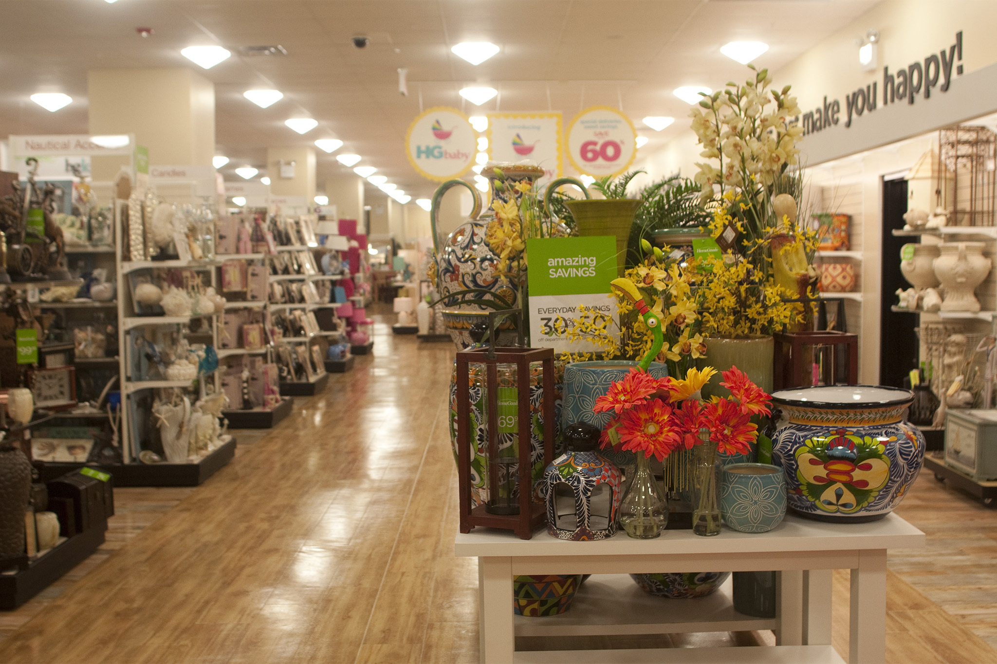 Homegoods shopping in upper west side new york for Home decorative accessories shopping