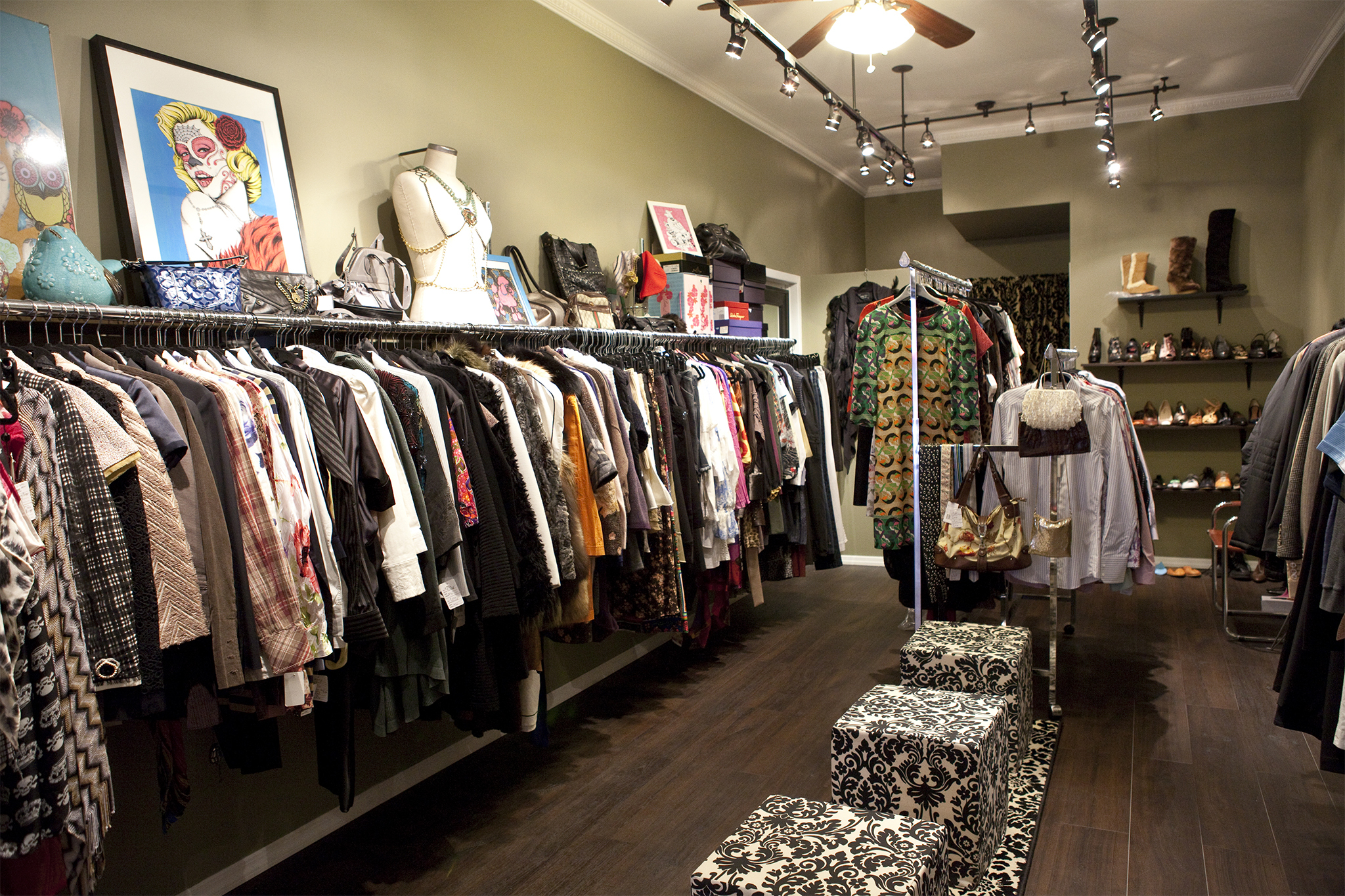 Manhattan Designer Clothing Outlets Consignment stores