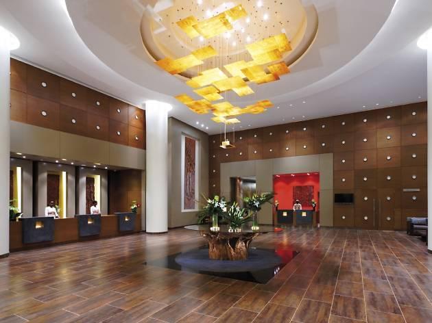Mövenpick Ambassador Hotel