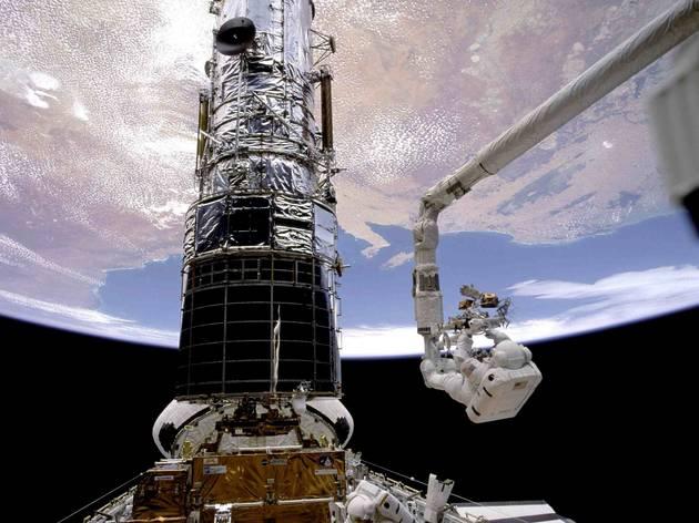 The Hubble Space Telescope  (© NASA)