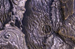 Bright-layered rock deposits (© Malin Space Science )
