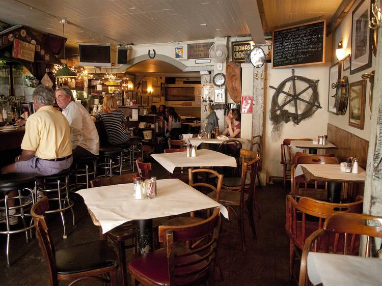 The hangout: Saloon