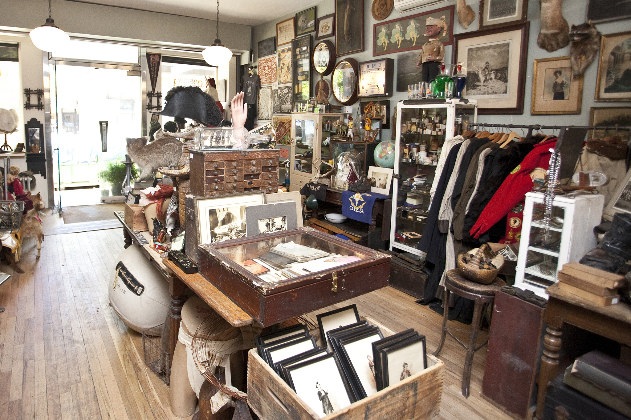 Antique Stores In Nyc For Vintage Finds And Retro Clothes