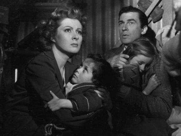 Classic movie mothers: Mrs. Miniver (1942)