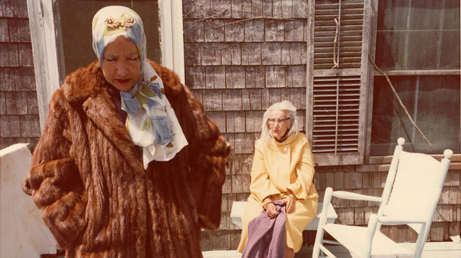 Classic movie mothers: Grey Gardens (1975)