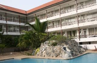 African Royal Beach Hotel