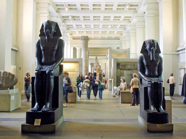 (Egyptian statues © Britta Jaschinski)