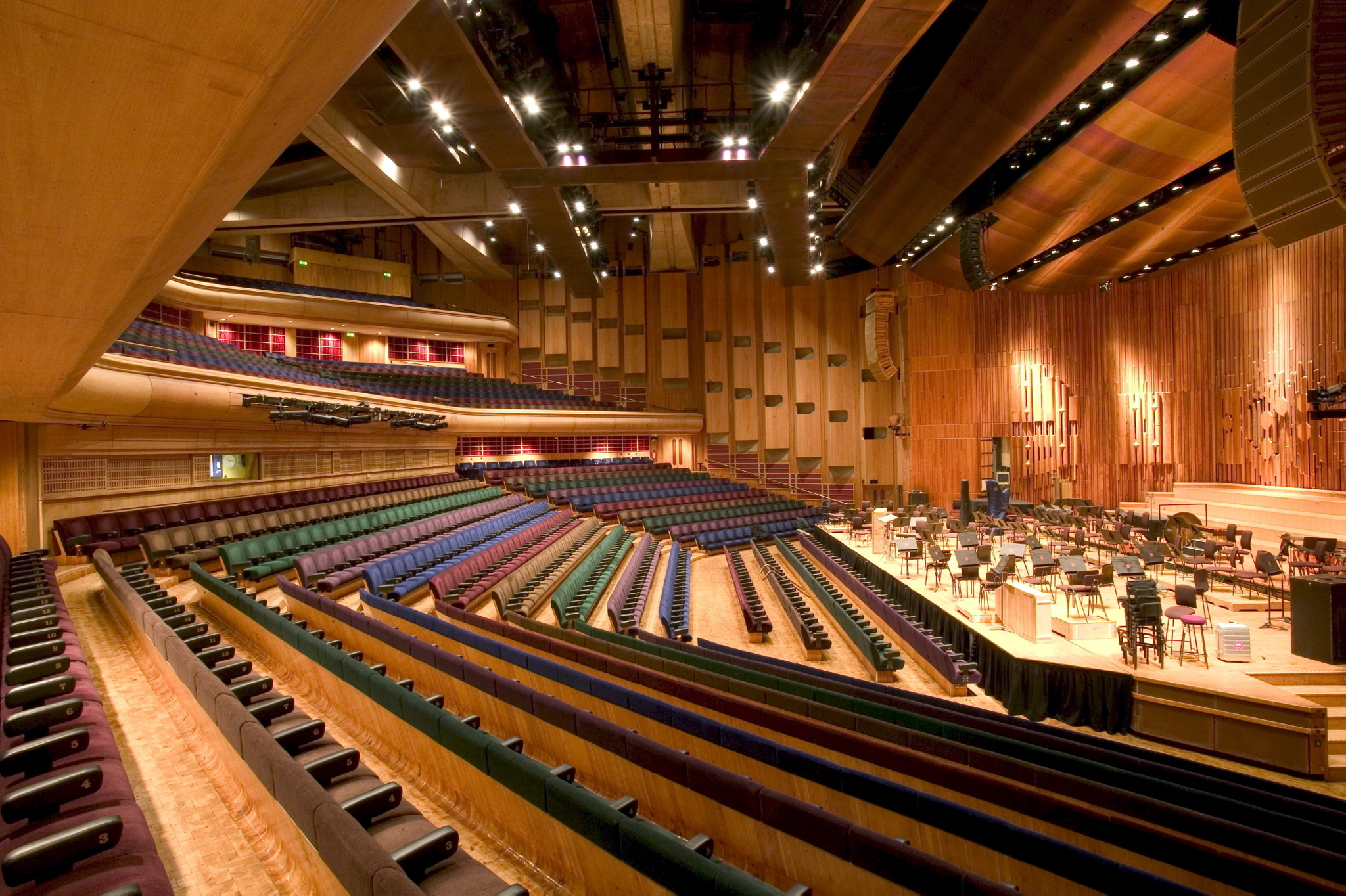 Theatre is coming back to the Barbican! (plus more gigs)