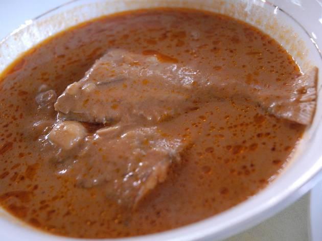 Groundnut soup & fufu