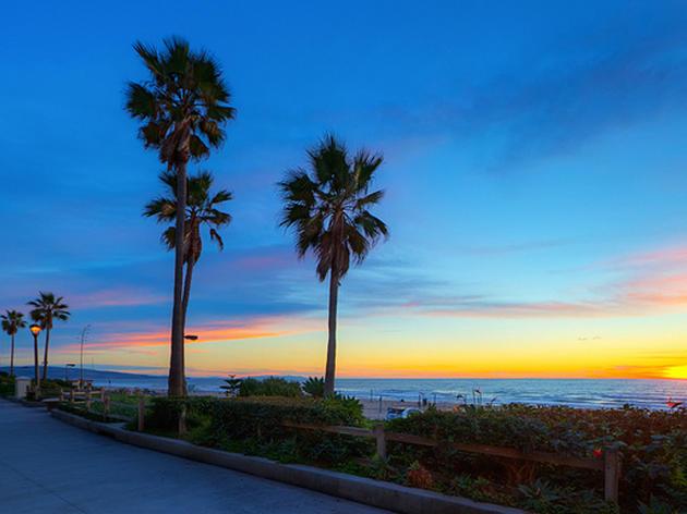 El Porto Beach Attractions In Manhattan Beach Los Angeles