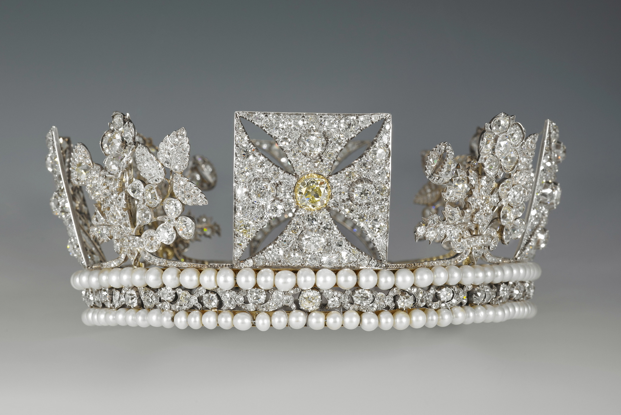 Buckingham Palace Summer Opening The Diamond Diadem