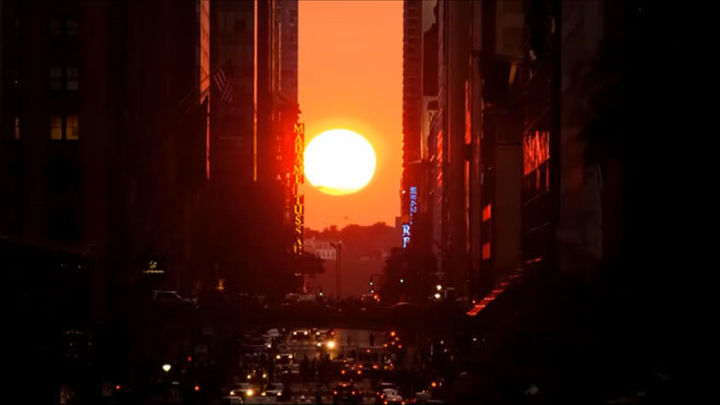 Check out these classic photos of Manhattanhenge