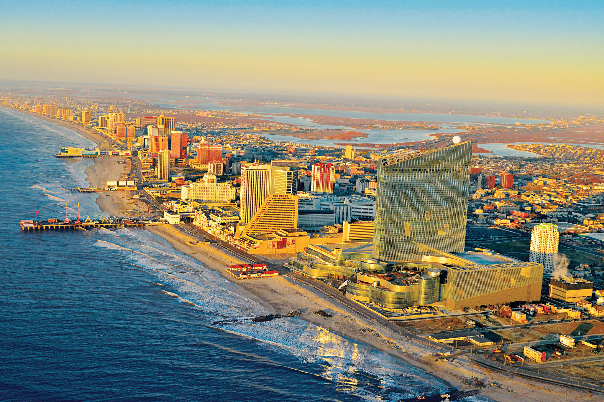 Guide to Atlantic City, NJ, including casinos, hotels and beaches