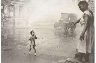 (Photograph: Museum of Modern Art; © 2013 The Estate of Helen Levitt)