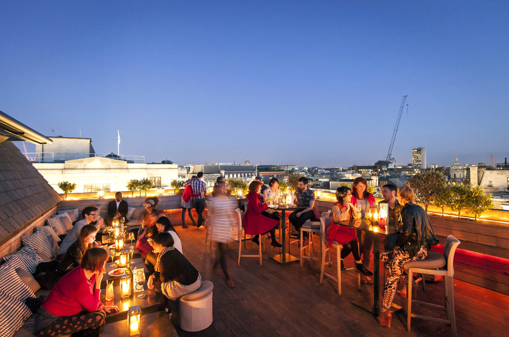 26 Best Rooftop Bars With Dazzling Views In London