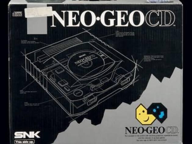 Console Neo Geo CD   (Neuve en boite - version NTSC-FR / © Millon & associés)