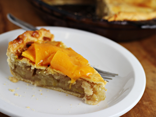 Eat apple pie with cheddar