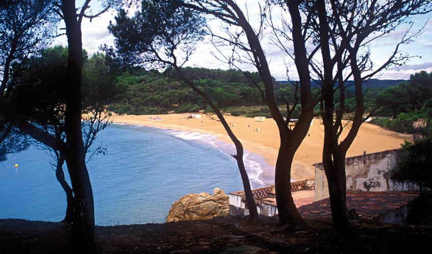 Explore ten top beaches in Catalonia