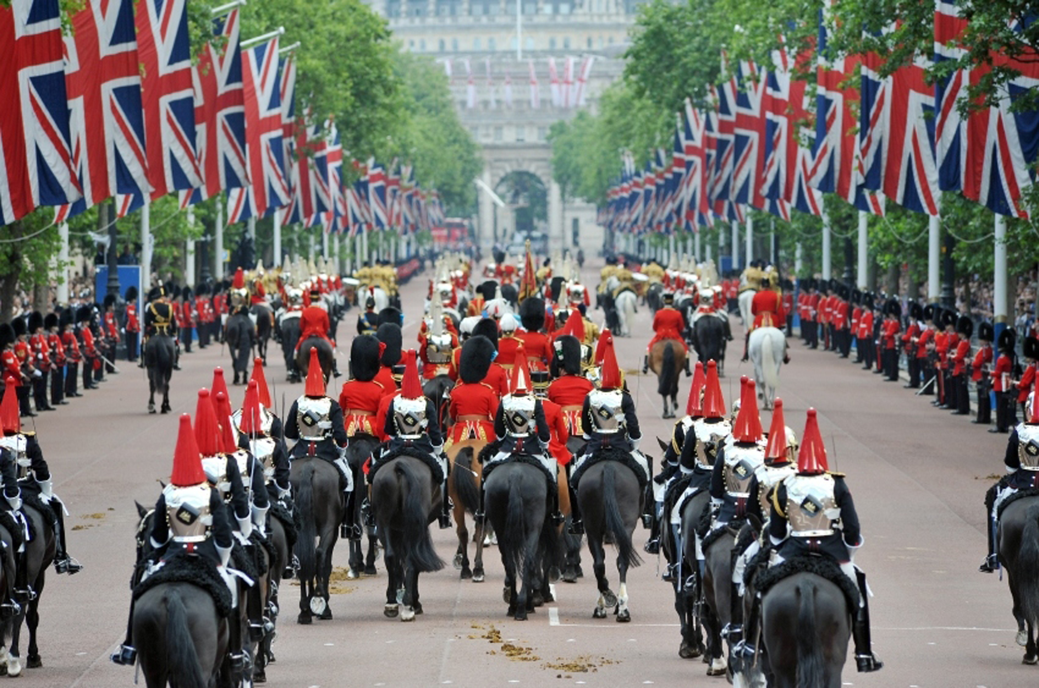 Trooping the Colour: The Queen's Birthday Parade | Things ...