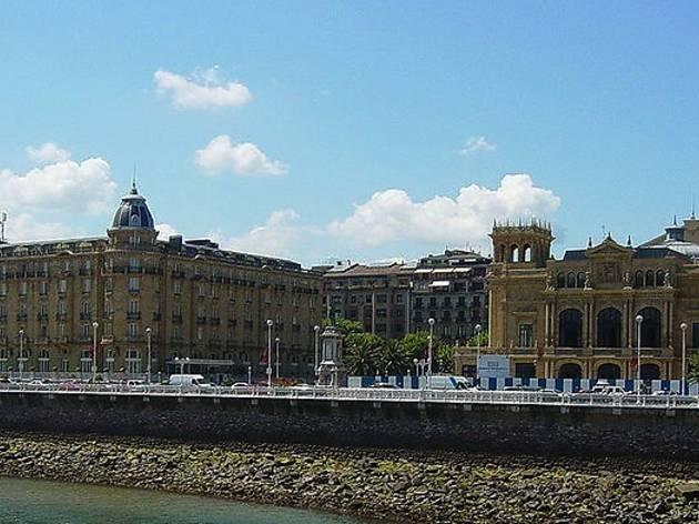 Teatro Victoria Eugenia y Hotel María Cristina