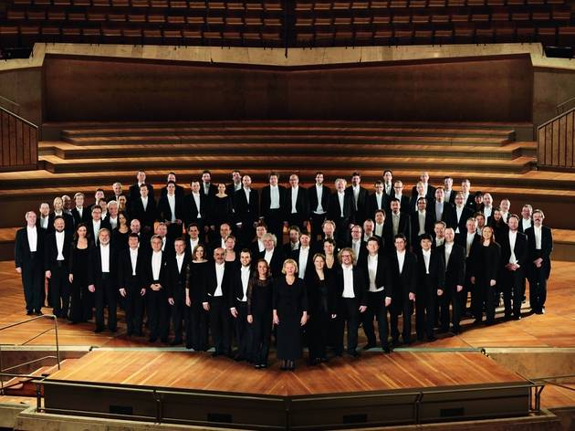 Berliner Philharmoniker + Orfeó Català + Cor de Cambra del Palau +  Sir Simon Rattle
