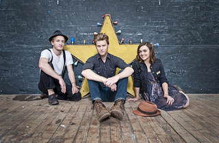ITUNES FESTIVAL: The Lumineers + Phox
