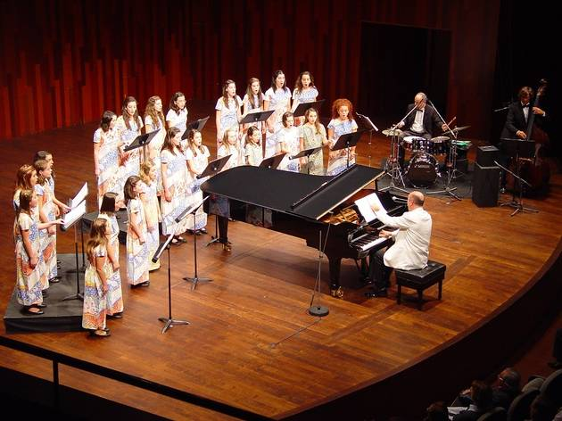 Cor Vivaldi: Música per a cor i cobla