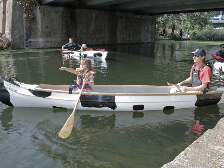 Paddle along the Thames in a canoe