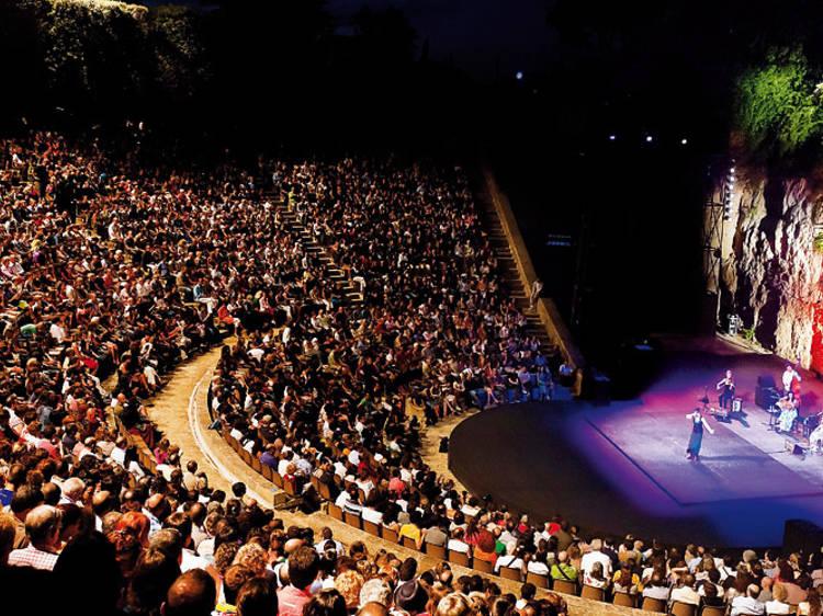 Teatre Grec también en agosto