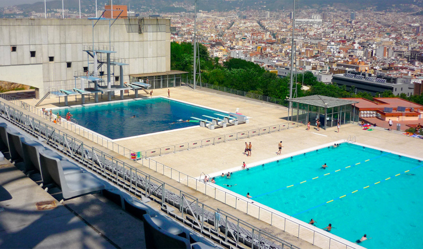 Outdoor swimming pools in barcelona for Piscina guinardo