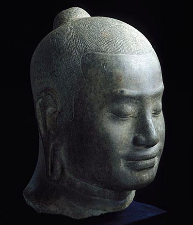 Tête de Jayavarman VII au musée Guimet