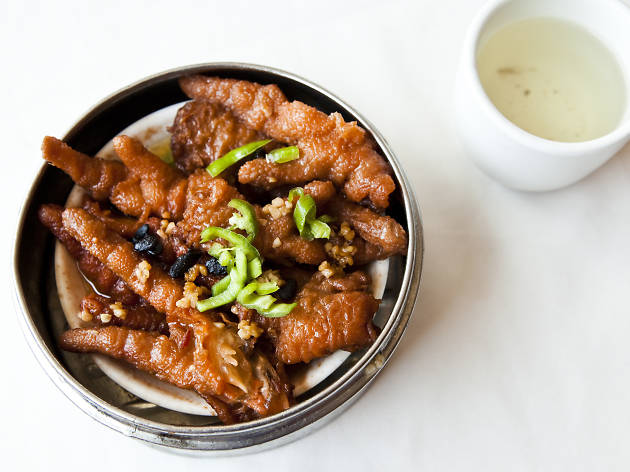 <p>Braised chicken feet at Pacificana</p>