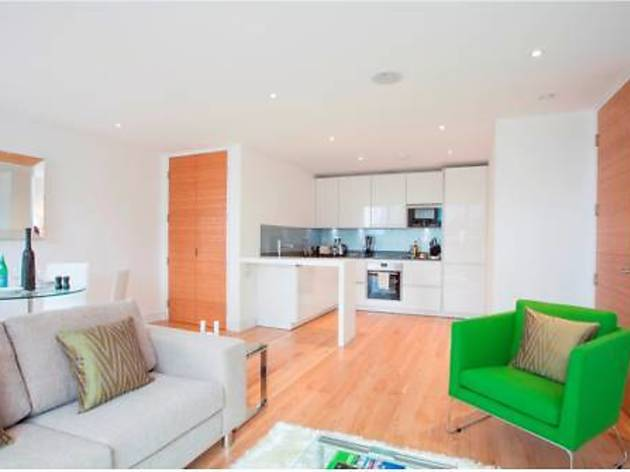 House of MoLi - London Square Apartments