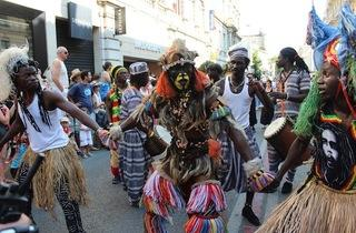 La parade du Off 2013 (© Elsa Pereira / Time Out Paris)