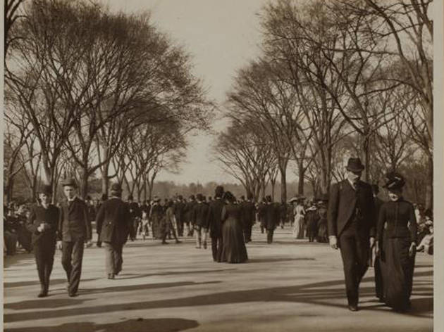 (Photograph: Ewing Galloway/Courtesy of the NYPL Archives)