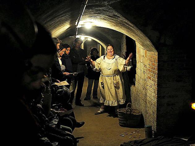 Grec 2013: Subterrànies, sobreviure entre bombes