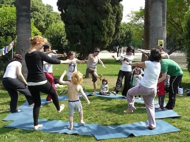 Piknic electronik: Yoguitos-El ioga per a tots!
