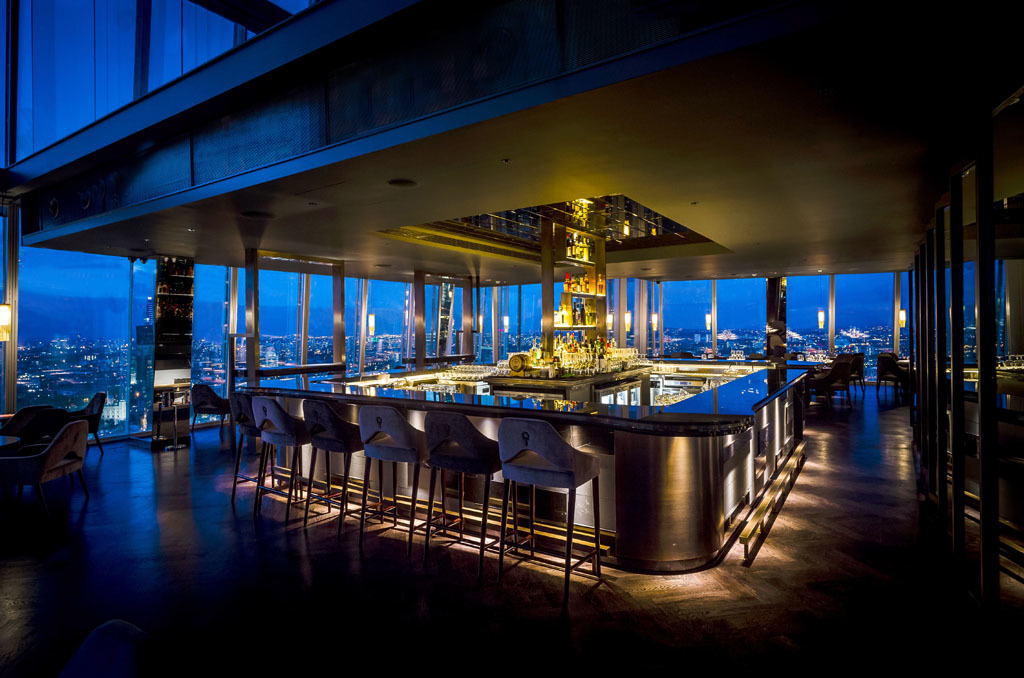 Atrium bar at aqua shard bars and pubs in london bridge for Restaurants at the shard
