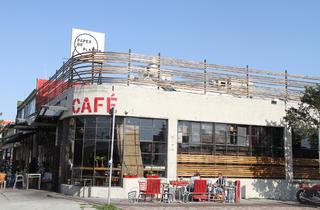 Paper or Plastik Cafe