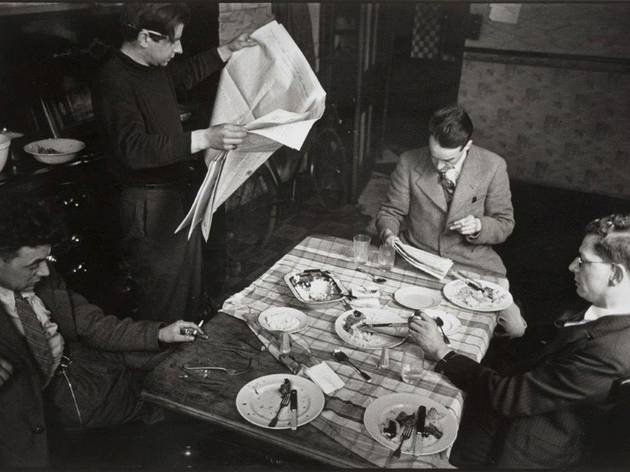 Humphrey Spender (Planning observations at 85 Davenport Street, 1937/38 (left to right: Walter Hood, Tom Harrison, John Sommerfield, unidentified man))