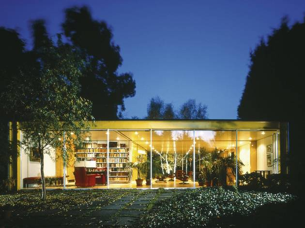 Dr Rogers House (1968-1969, Richard and Su Rogers )