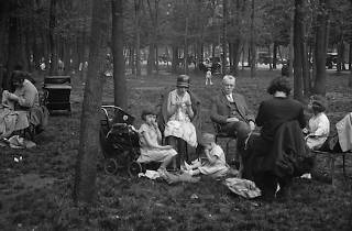 PARIS - BOIS DE BOULOGNE (© Albert Harlingue)