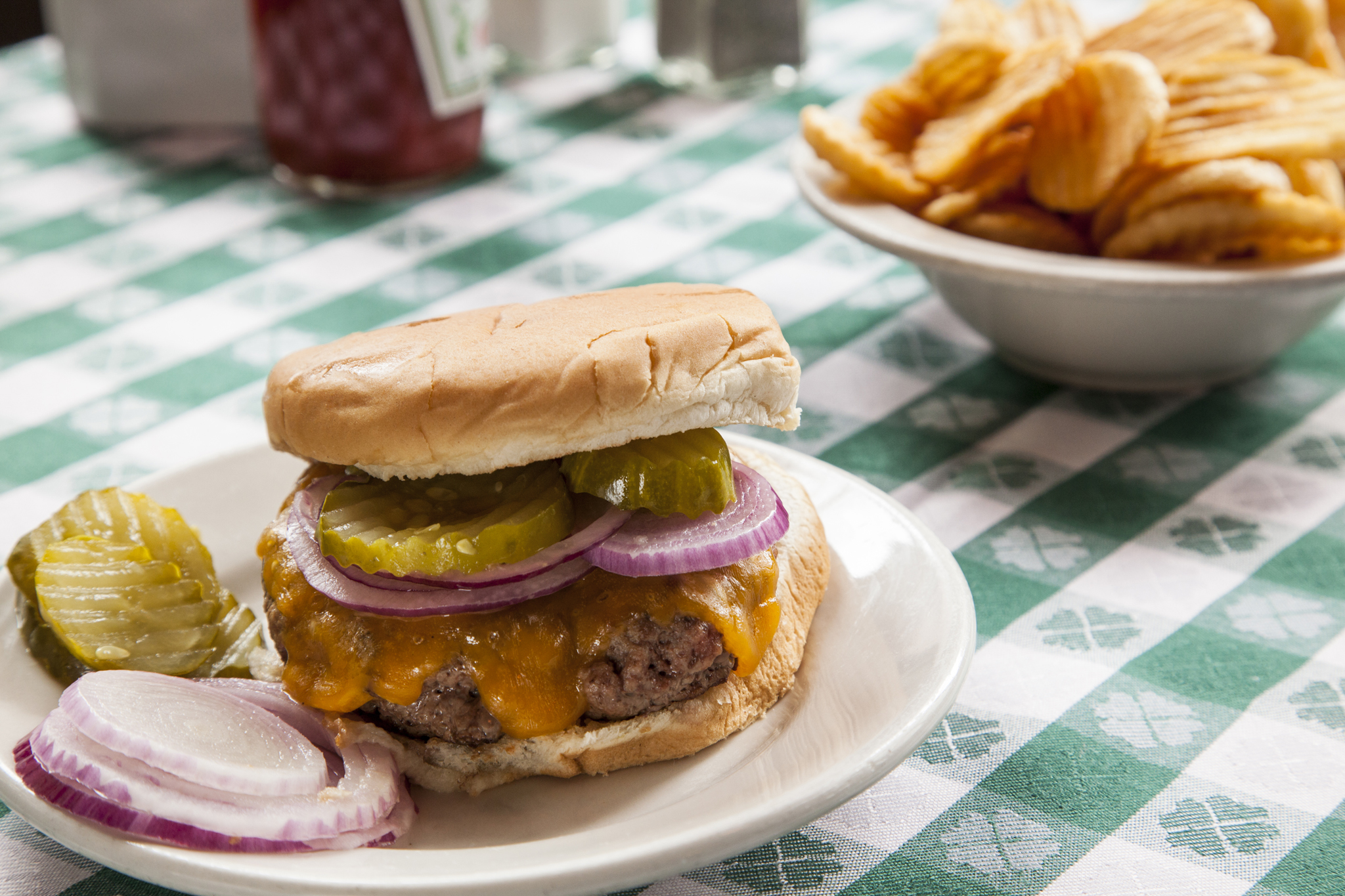 Critics' choice best burgers: Ten NYC classics (2013)