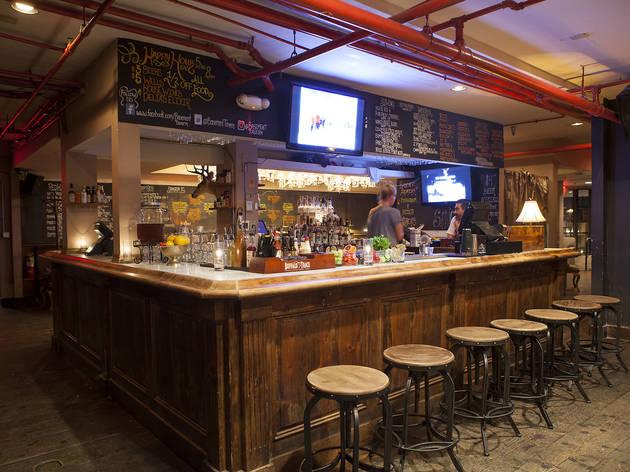 Basement Tavern At The Victorian Bars In Santa Monica